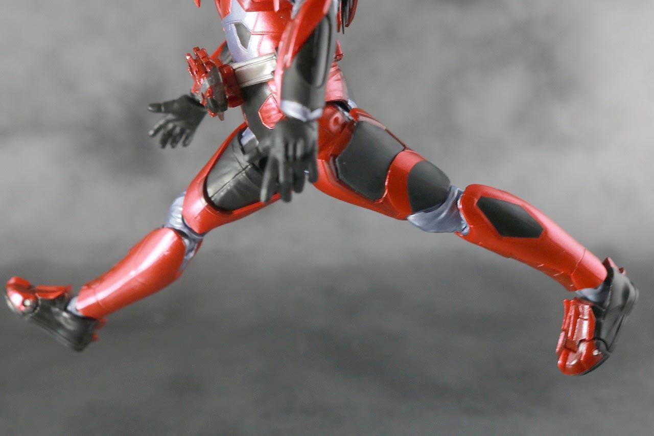 S.H.フィギュアーツ 仮面ライダー迅 バーニングファルコン レビュー 可動範囲