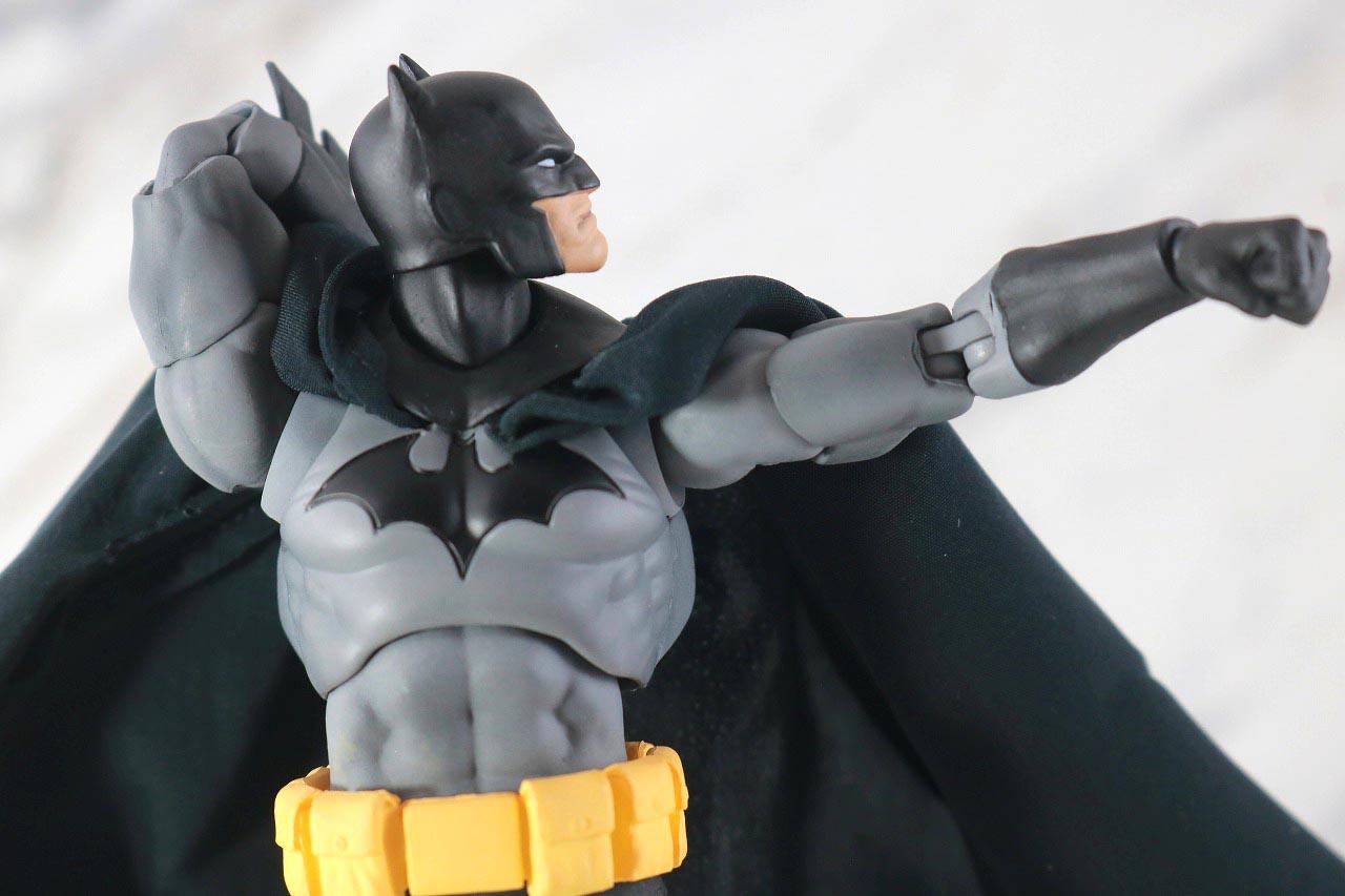 MAFEX バットマン HUSH BLACK ver. レビュー 可動範囲