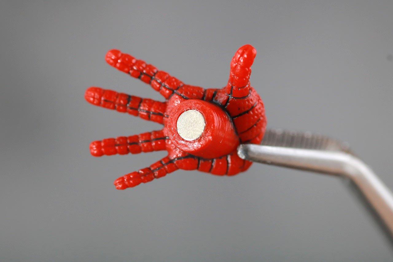 MAFEX スパイダーマン ピーター・B・パーカー レビュー 付属品 手首 磁石