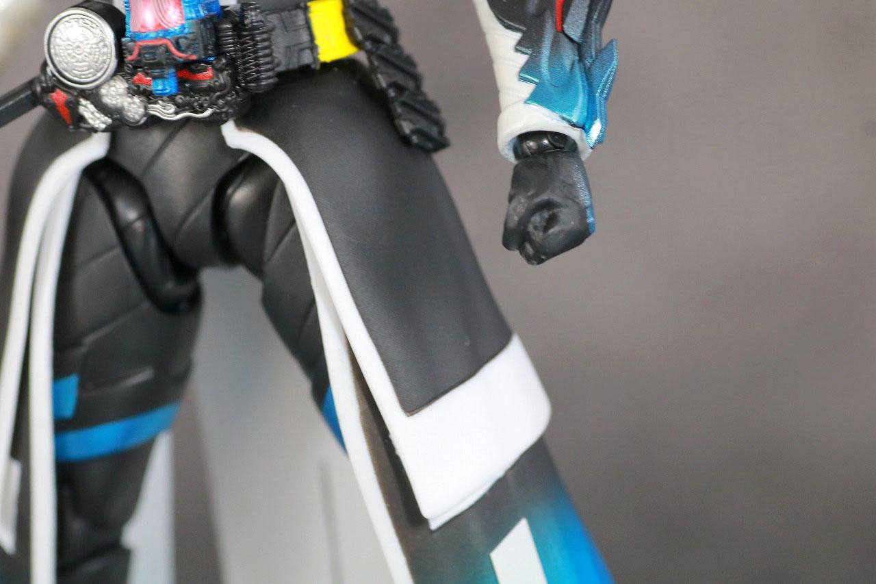 S.H.フィギュアーツ 仮面ライダークローズエボル レビュー 本体