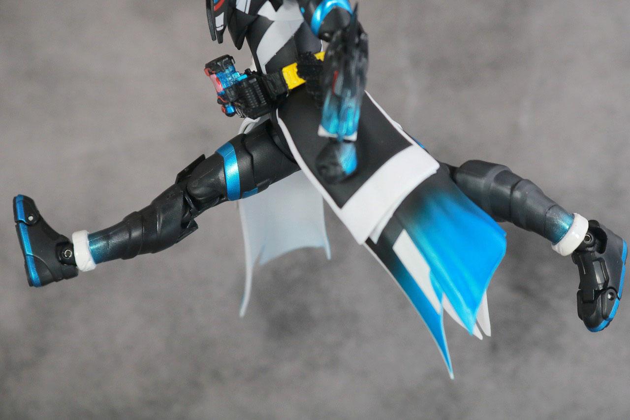 S.H.フィギュアーツ 仮面ライダークローズエボル レビュー 可動範囲