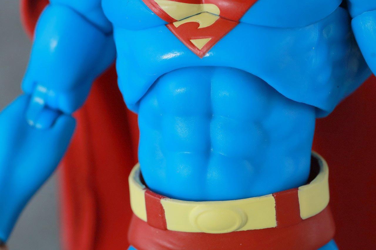 MAFEX スーパーマン Batman:HUSH Ver. レビュー 本体