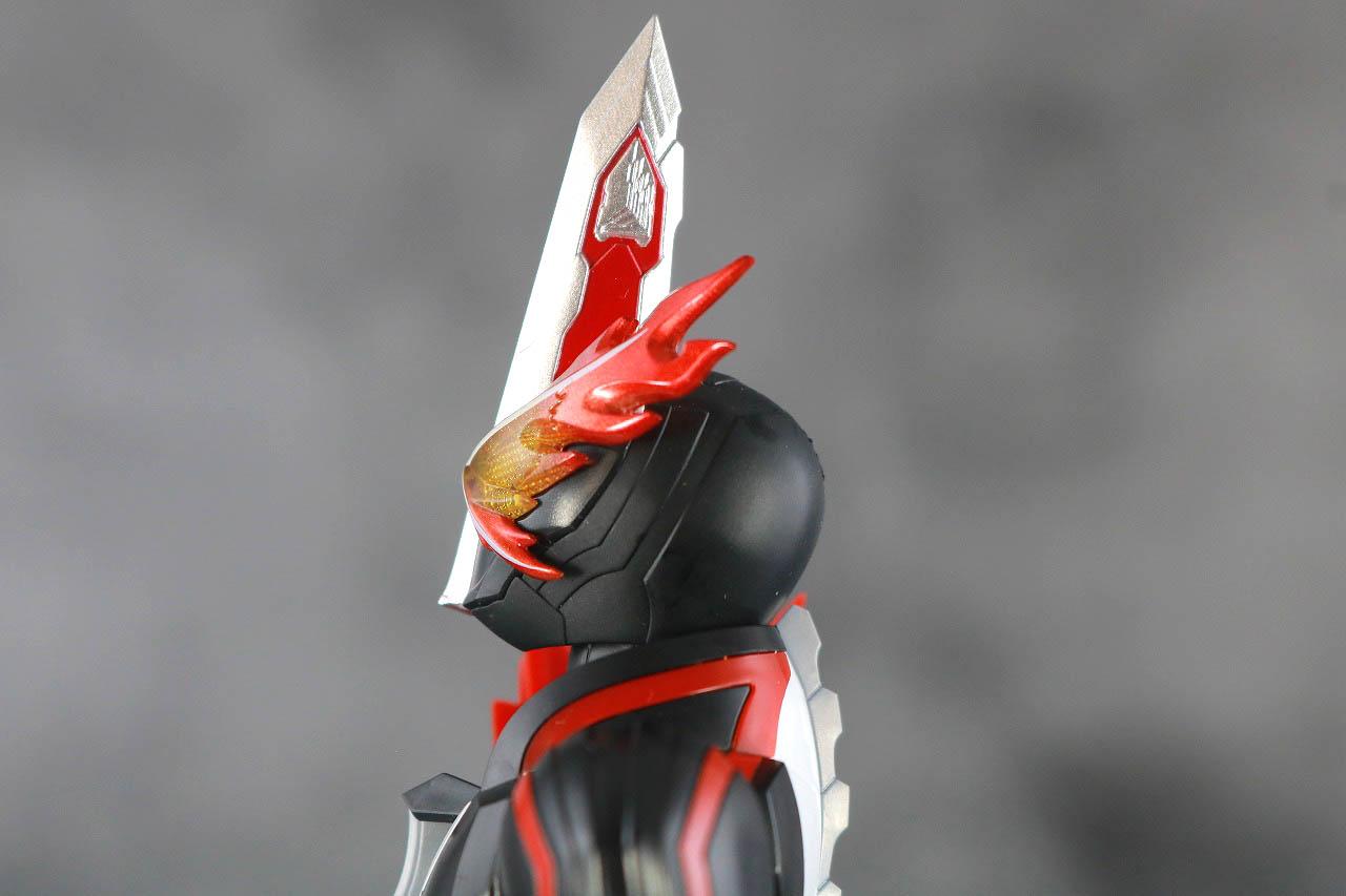 S.H.フィギュアーツ 仮面ライダーセイバー ブレイブドラゴン レビュー 可動範囲