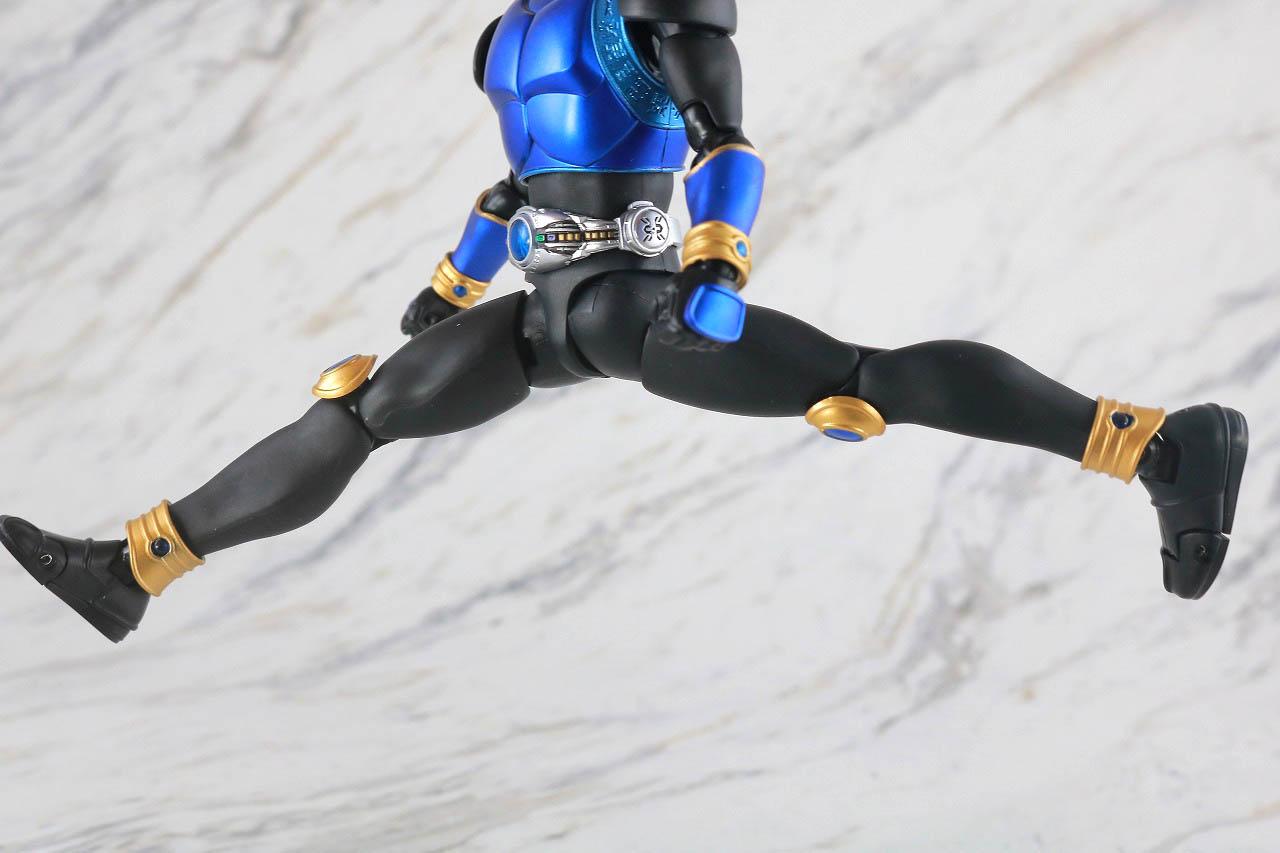 S.H.フィギュアーツ 仮面ライダークウガ ドラゴンフォーム 真骨彫製法 レビュー 可動範囲