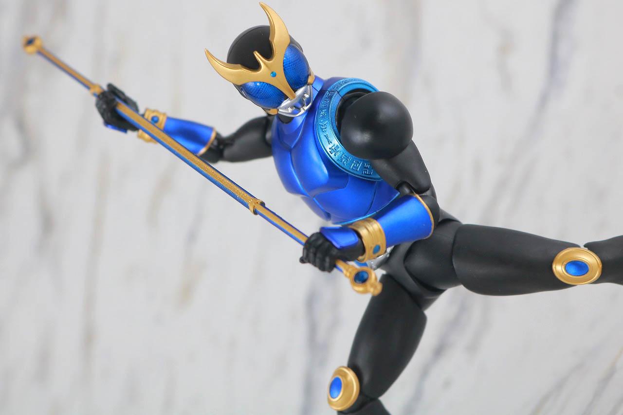 S.H.フィギュアーツ 仮面ライダークウガ ドラゴンフォーム 真骨彫製法 レビュー