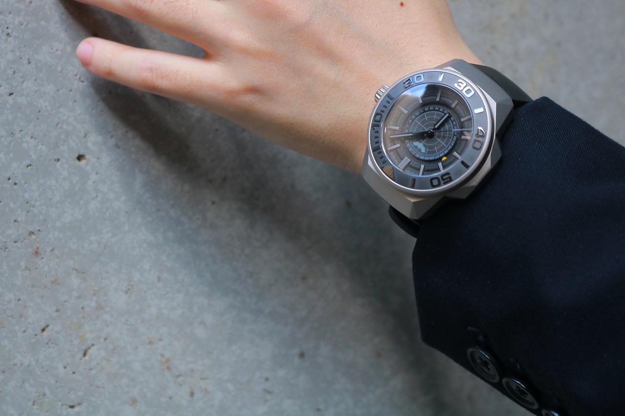 UNDONE BATMAN QUANTUM: STANDARD EDITION レビュー 時計 バットマン 着用