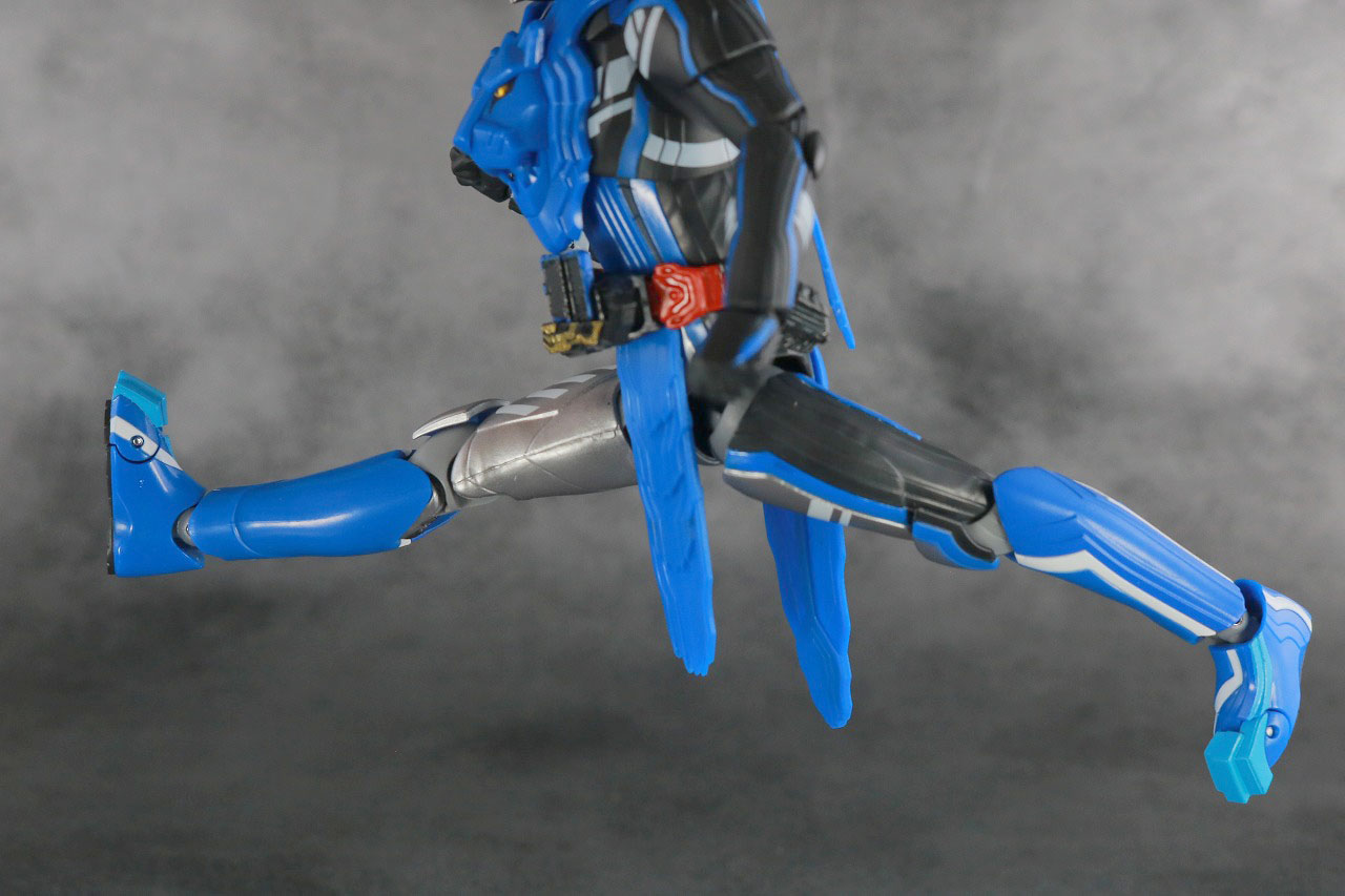 S.H.フィギュアーツ 仮面ライダーブレイズ ライオン戦記 レビュー 可動範囲