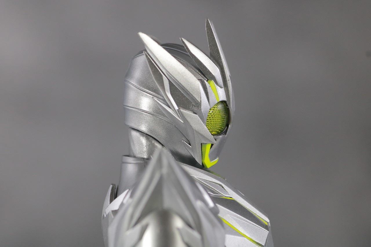 S.H.フィギュアーツ 仮面ライダーゼロワン メタルクラスタホッパー レビュー 本体