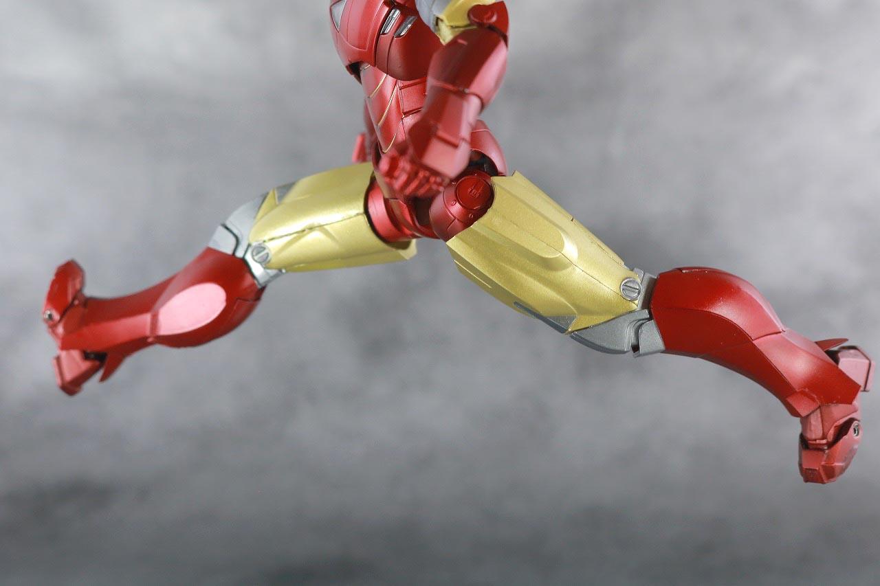 S.H.フィギュアーツ アイアンマン マーク6 BATTLE DAMAGE EDITION アベンジャーズ レビュー 可動範囲