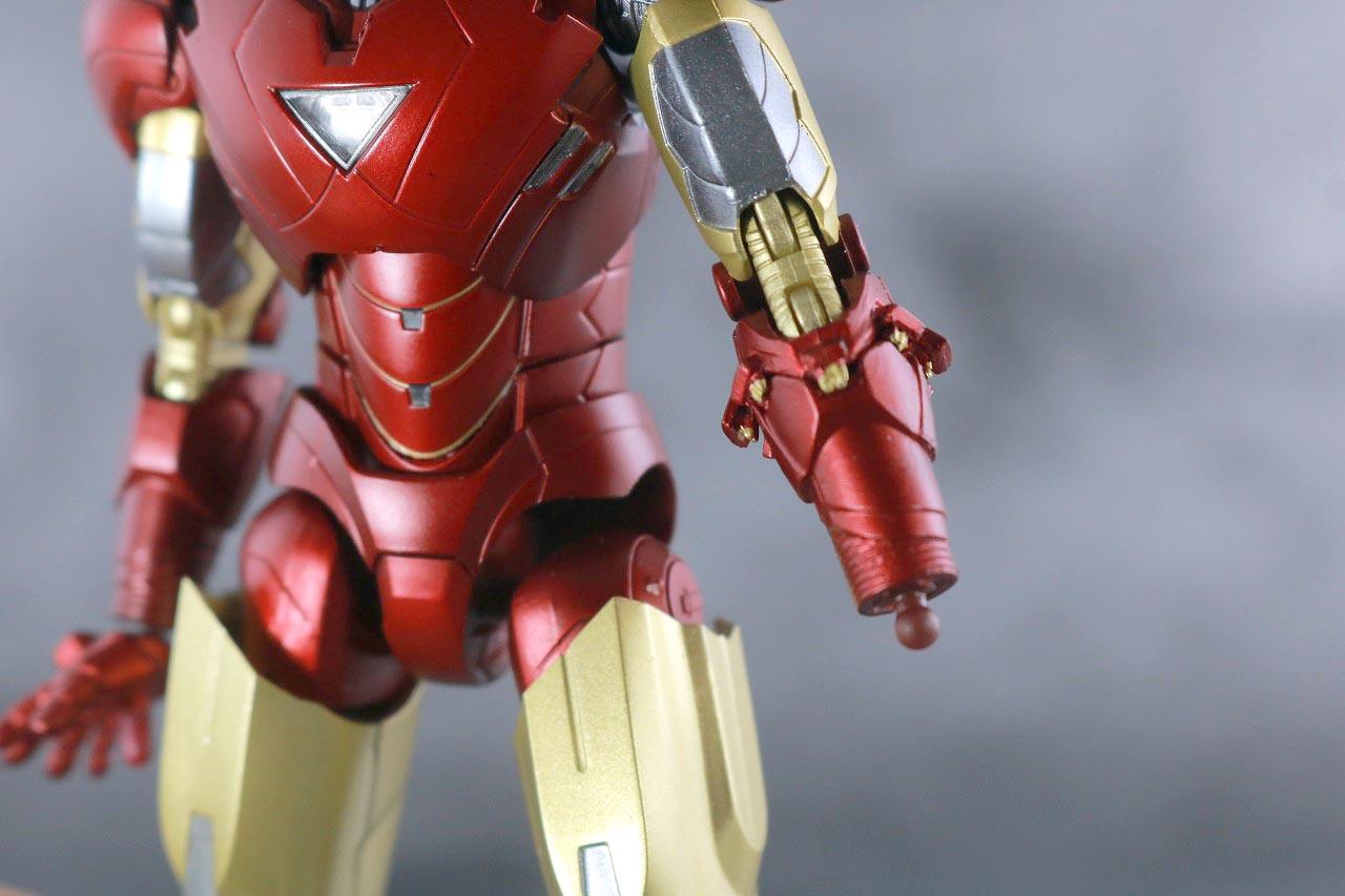 S.H.フィギュアーツ アイアンマン マーク6 BATTLE DAMAGE EDITION アベンジャーズ レビュー 付属品 腕 武装 交換
