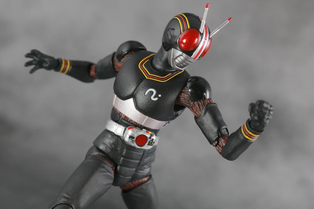 S.H.フィギュアーツ 仮面ライダーブラック BLACK 真骨彫製法 レビュー アクション