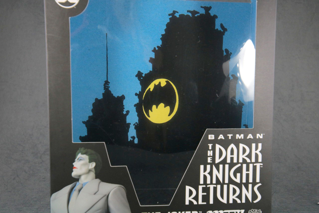 MAFEX ジョーカー(BATMAN The Dark Knight Returns)レビュー パッケージ