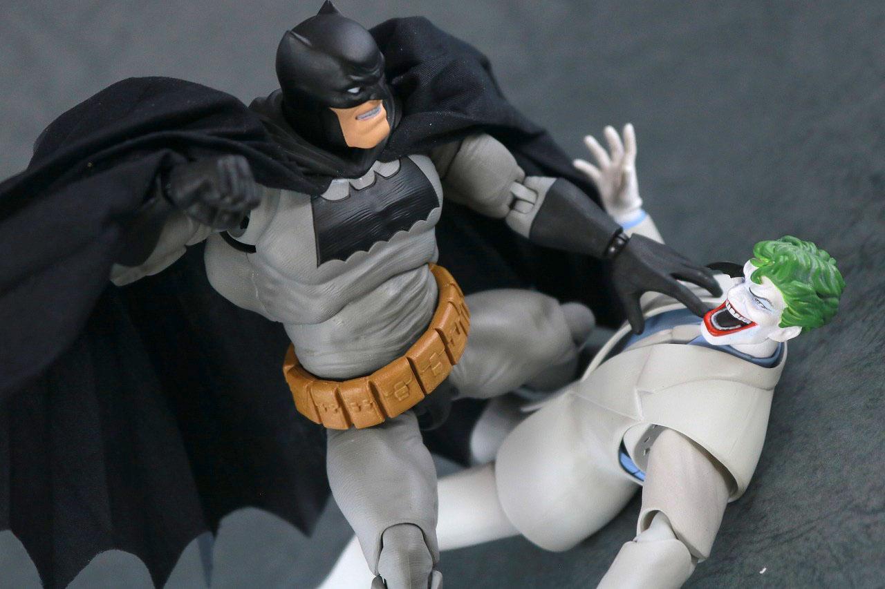 MAFEX ジョーカー(BATMAN The Dark Knight Returns)レビュー アクション バットマン
