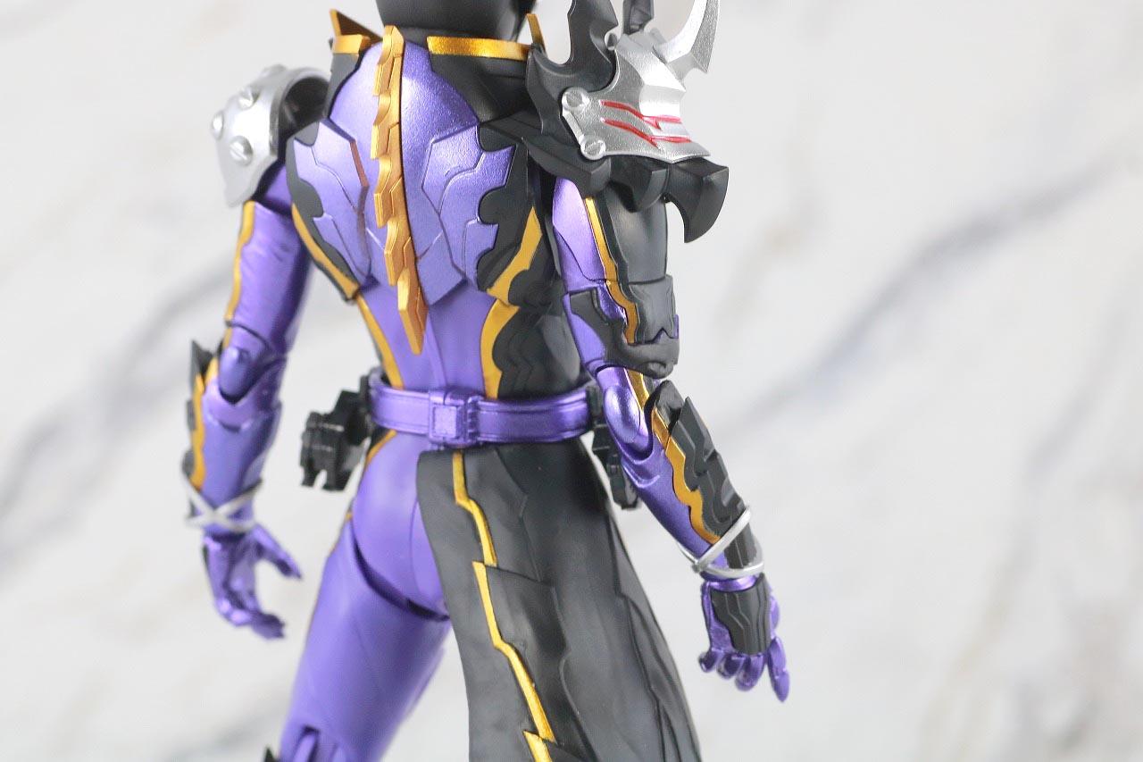 S.H.フィギュアーツ 仮面ライダーカリバー ジャアクドラゴン レビュー 本体