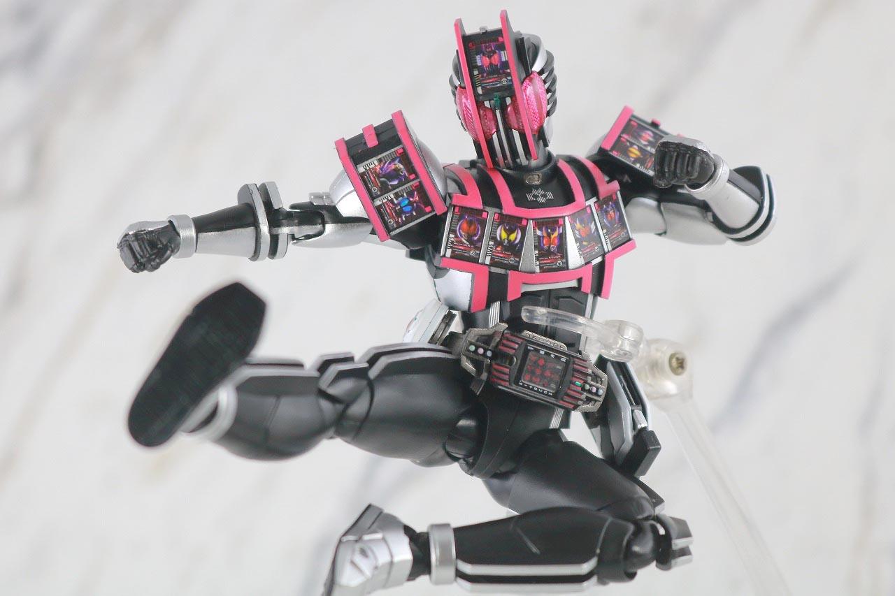 S.H.フィギュアーツ 仮面ライダーディケイド コンプリートフォーム 真骨彫製法 レビュー アクション