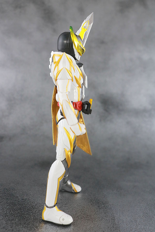 S.H.フィギュアーツ 仮面ライダーエスパーダ ランプドアランジーナ レビュー 本体