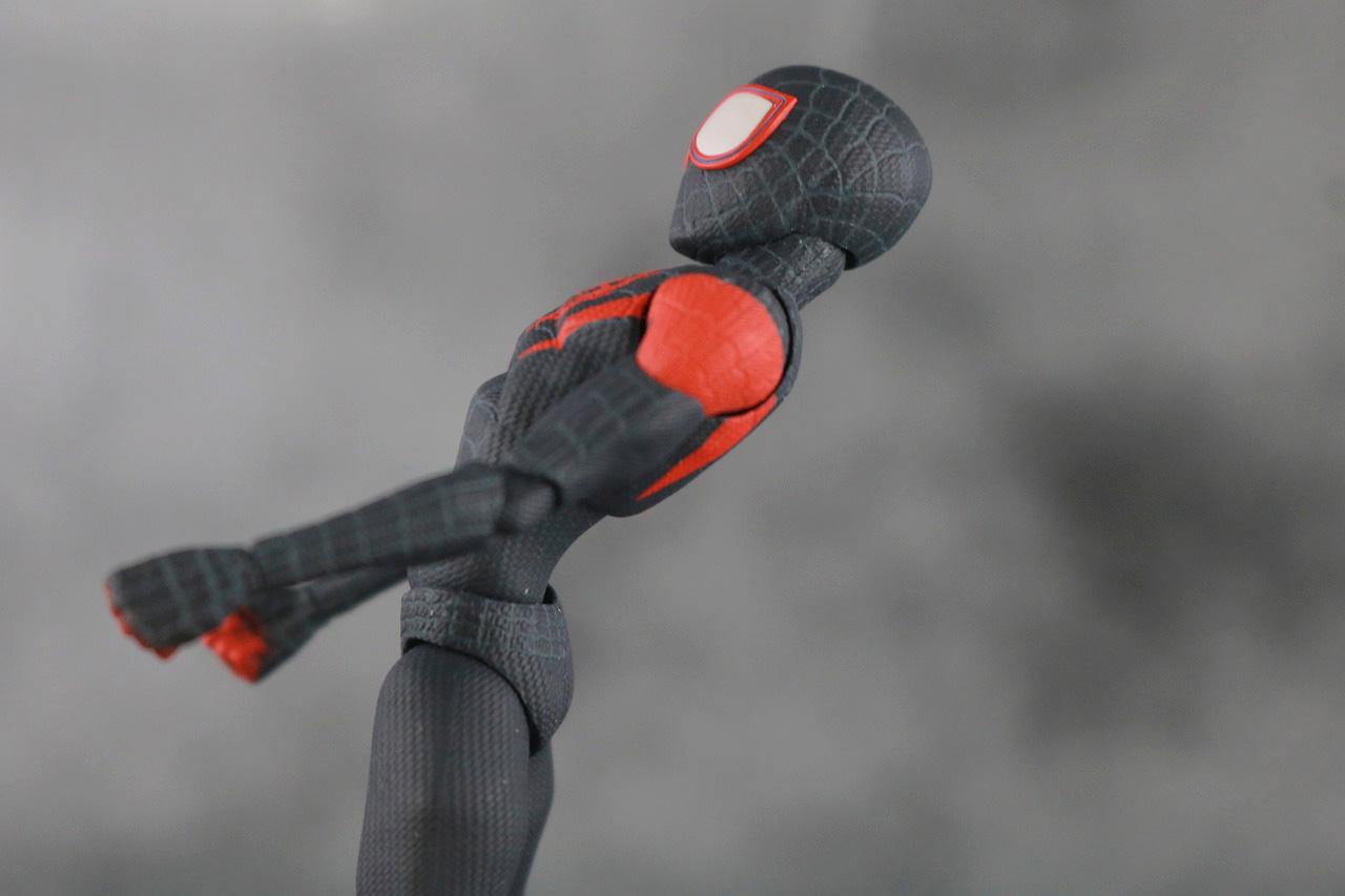 千値練 SVアクション マイルス・モラレス/スパイダーマン 可動範囲