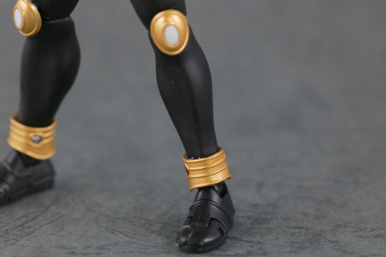 S.H.フィギュアーツ 仮面ライダークウガ グローイングフォーム 真骨彫製法 レビュー  本体