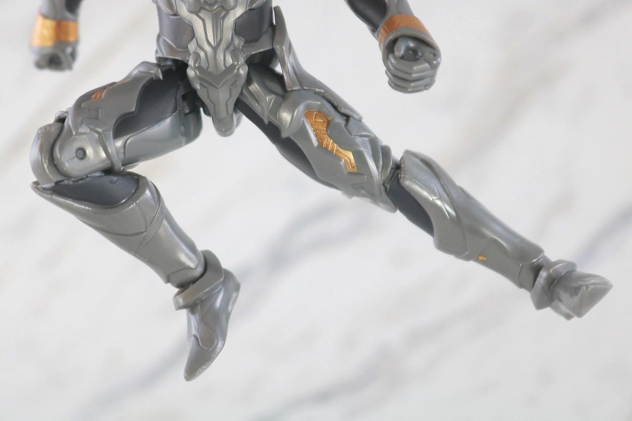 ウルトラアクションフィギュア トリガーダーク レビュー 可動範囲
