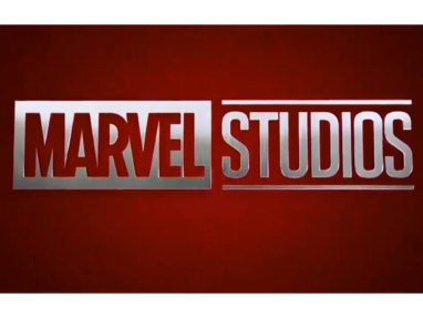 『アイアンマン』未公開カットが公開! - ミュータントや放射線を浴びた虫に言及するフューリーの姿が!